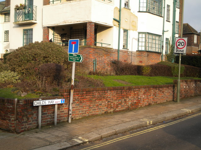 Street signs, Childs Way NW11