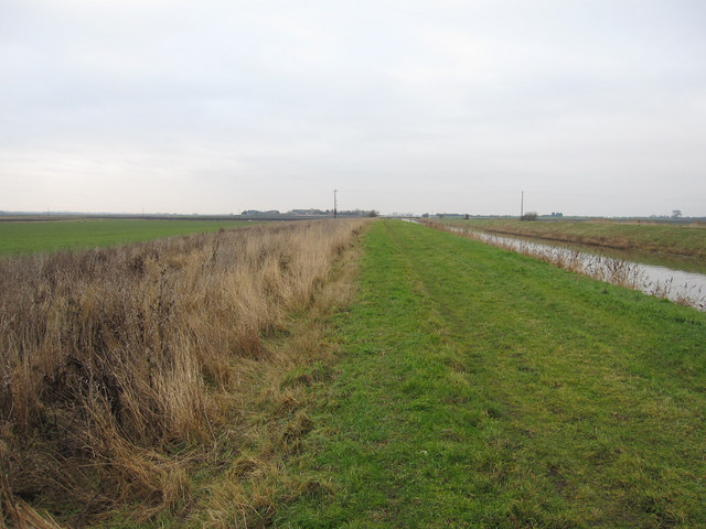 Footpath along Sixteen Foot Drain