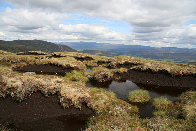 Peat haggs on A'Chailleach