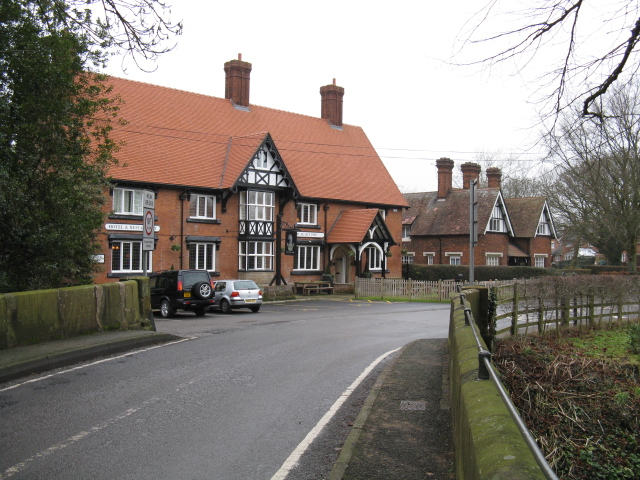 Warmingham - Main Road & Bear Paw Pub