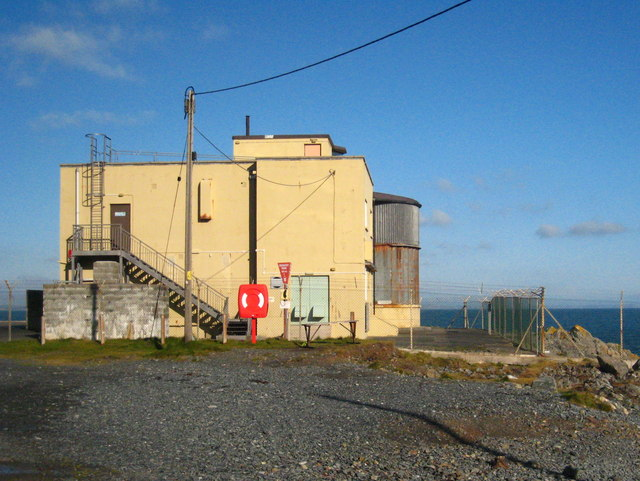 MOD observation post on Porthkerris Point