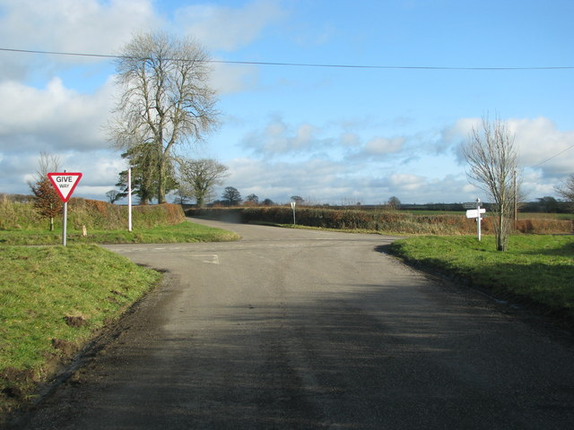 Road junction at Five Crossway from the west