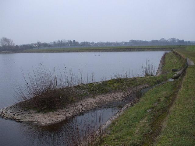 Outflow from Llanishen reservoir into Lisvane reservoir