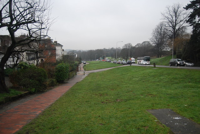 Looking down the grassy area parallel to London Rd (A26)