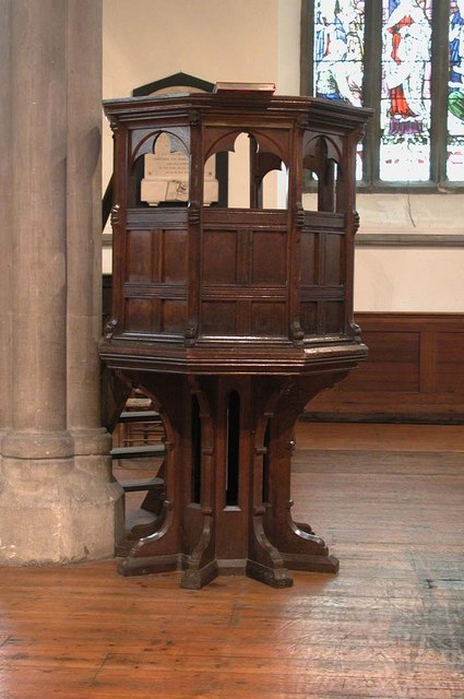 Christ Church, Hampstead Square, London NW3 - Pulpit
