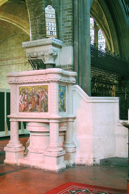 St Peter, Kennington Lane, London SE11 - Pulpit
