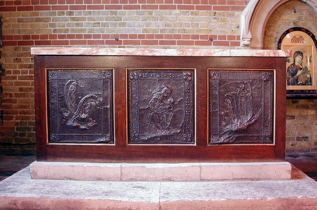 St Peter, Kennington Lane, London SE11 - Altar