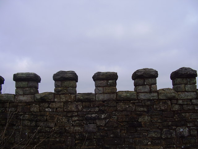 Castellated wall at Crawshaw head.