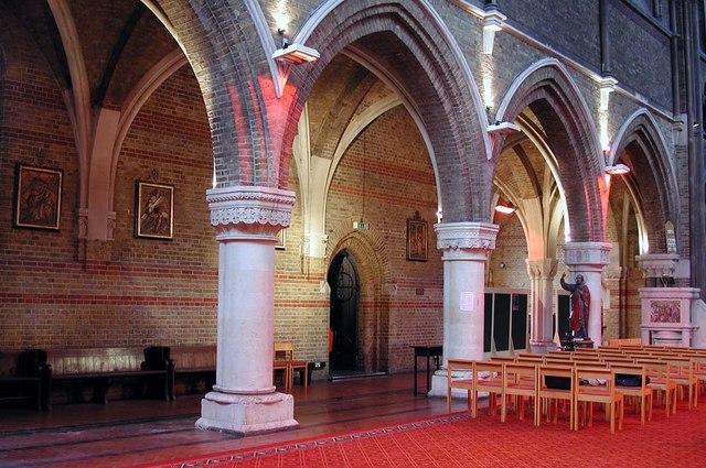 St Peter, Kennington Lane, London SE11 - North arcade