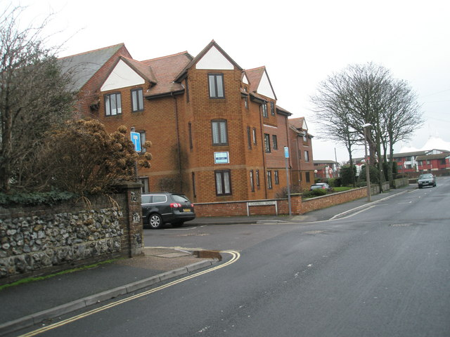 Approaching the junction of Walton and Campbell Roads