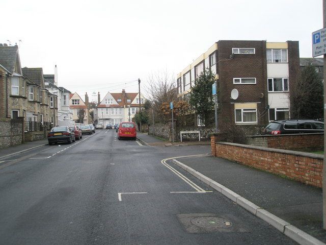 Approaching the junction of Campbell Road and Walton Road