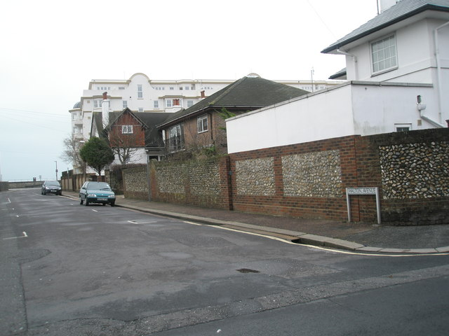 Top end of Walton Avenue