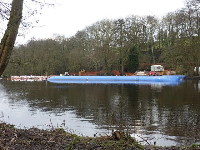 Aquabarrier at Calver Weir (2)