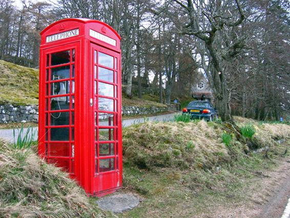 Telephone box at Crathie