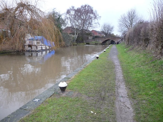 Mooring bollards below Dockholme Lock, the Erewash Canal