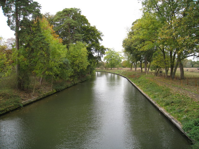 Upstream from Cookham Lock
