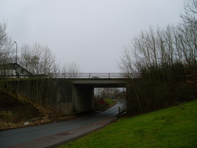 Stewartfield Way crosses Makethill Road
