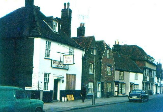 King's Head, Abbey Street, Faversham in 1969