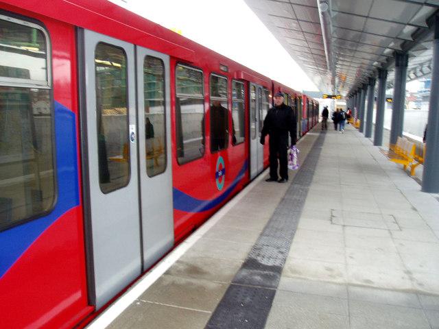 Docklands Light Railway:  King George V station