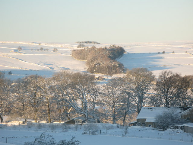 Panorama of snowy East Allen Dale (11 - Frolar Meadows)