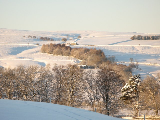 Panorama of snowy East Allen Dale (13 - Wooley High House and Park Gill)