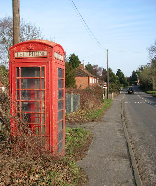 K6 telephone box in Beccles Road, Fritton