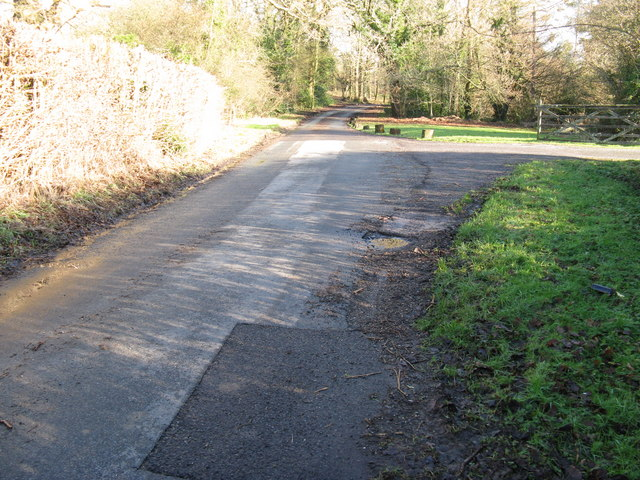 Single track lane from Hillgrove approaching Northchapel