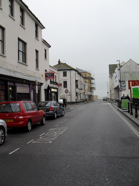 Looking southwards down Lennox Street