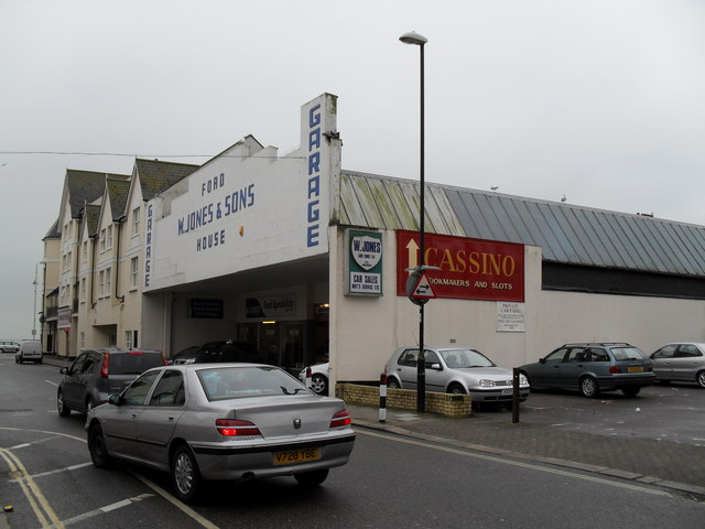 Garage in Lennox Street