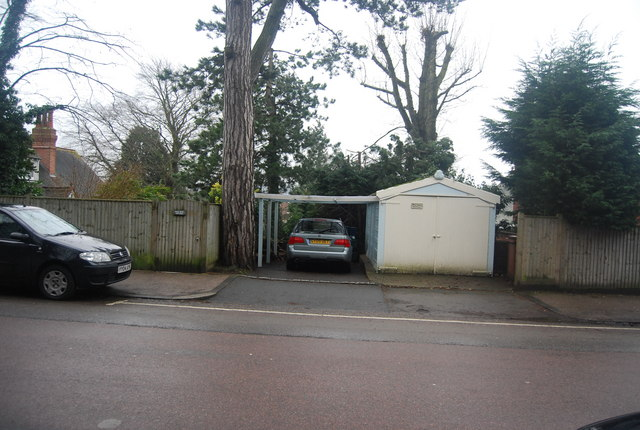 Garage, Wild Rose Cottage, Woodbury Park Rd