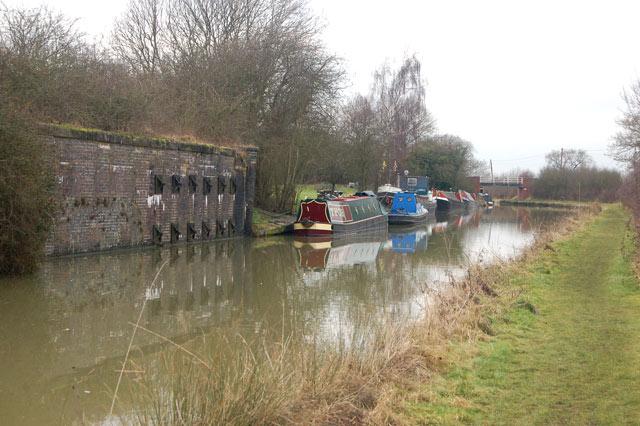 Moorings by old railway bridge, Grand Union Canal, Tomlow