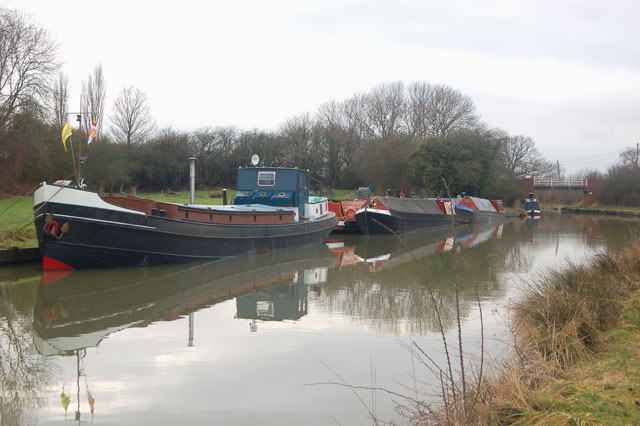 Moorings on the Grand Union Canal at Tomlow