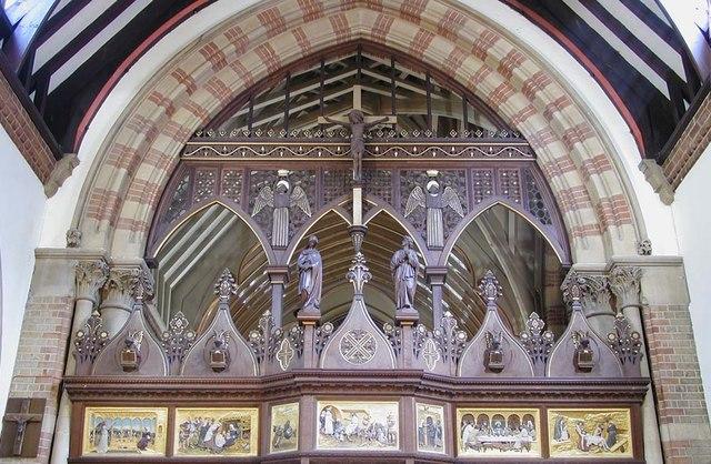 St Andrew, Hillingdon Road, Uxbridge - Rood screen