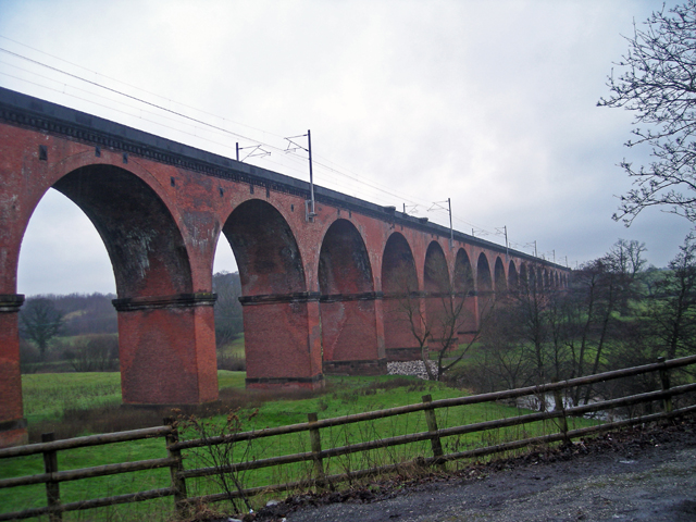 Twemlow Viaduct on another rainy day