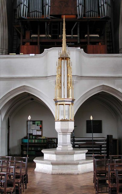 St Cyprian, Glentworth Street, London NW1 - Font