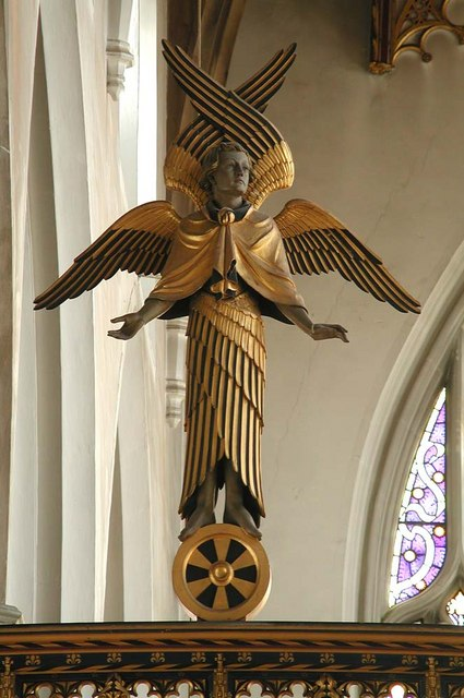 St Cyprian, Glentworth Street, London NW1 - Rood angel