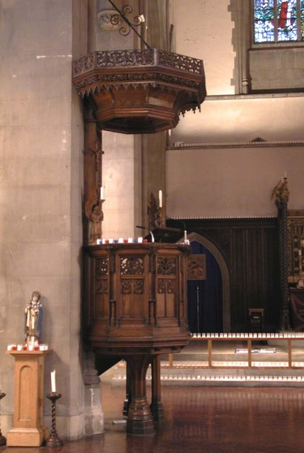 St Mary of Eton, Eastway, Hackney Wick, London E9 - Pulpit
