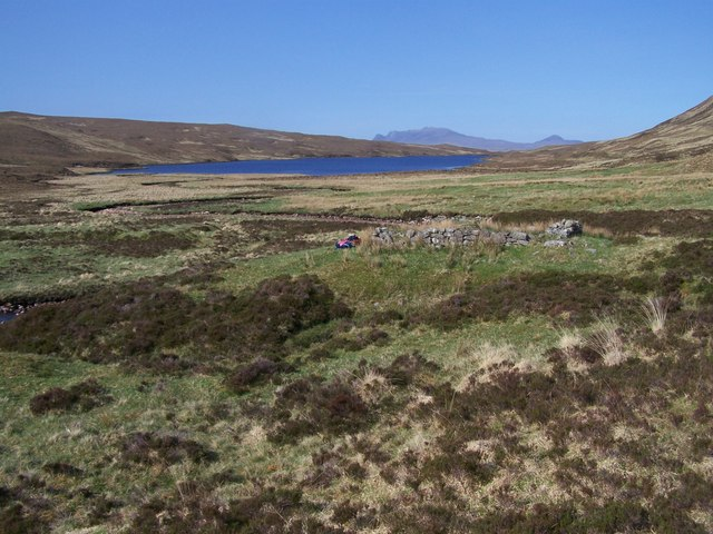 Ruins of an old building at the SW end of An Glas Loch.