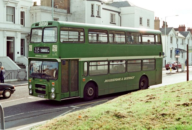 Maidstone & District bus no. 5896 (Leyland Olympian) in London Road