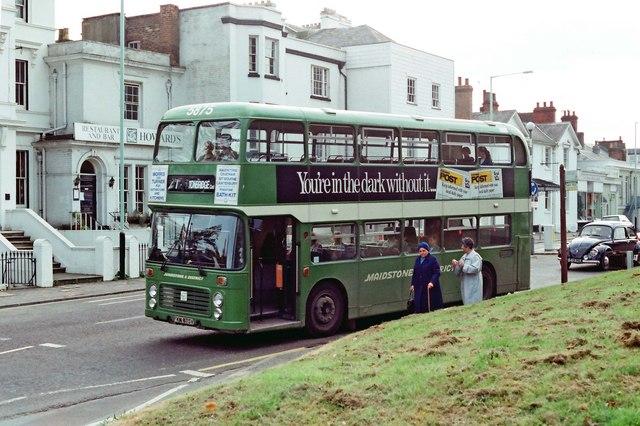 Maidstone & District bus no. 5875 (Bristol VRT) in London Road