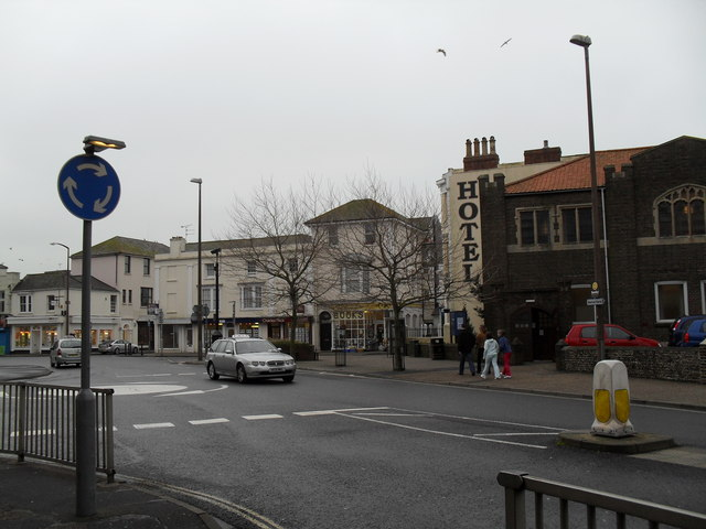 Mini-roundabout in Queensway