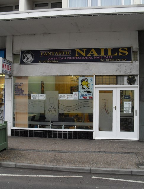 Nail bar in Queensway