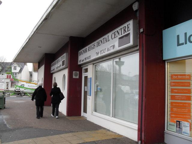 Dentists in Queensway
