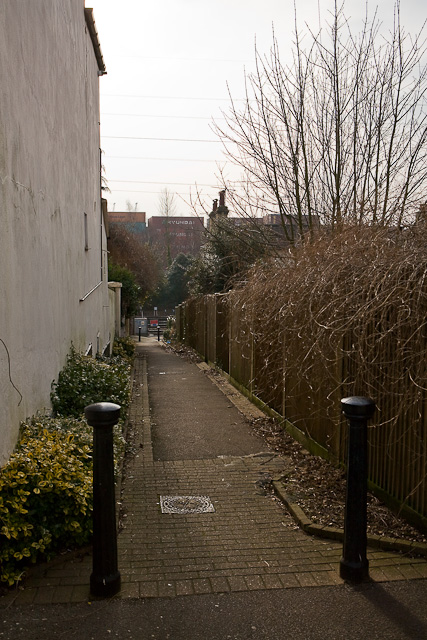 Path from Hewitt's Road to Saxon Road