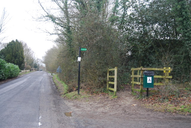 Footpath signposted south from Chiddingstone
