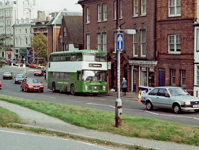 Maidstone & District bus no. 5844 (Bristol VRT) in London Road