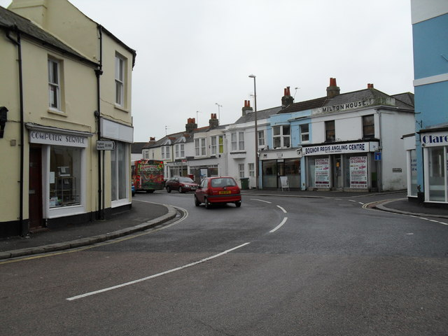 Bend in West Street