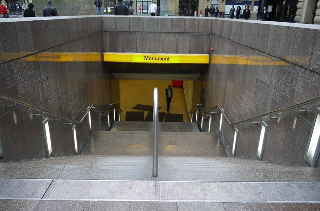 Entrance to Monument Metro Station