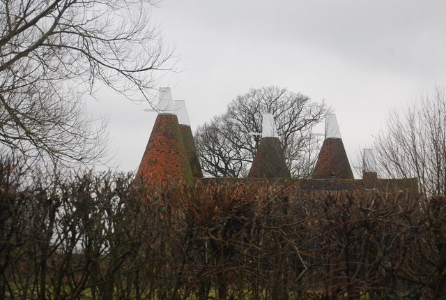 Oast house west of The Triangle, Chiddingstone