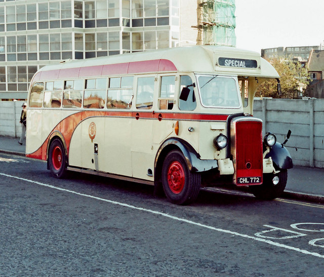 Hastings & District Daimler bus (reg. no. CHL 772)